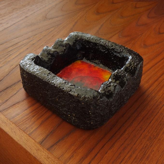 ビンテージ陶器灰皿ファットラヴァ
