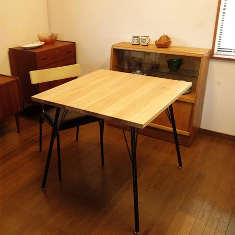 オーク無垢材ダイニングテーブル