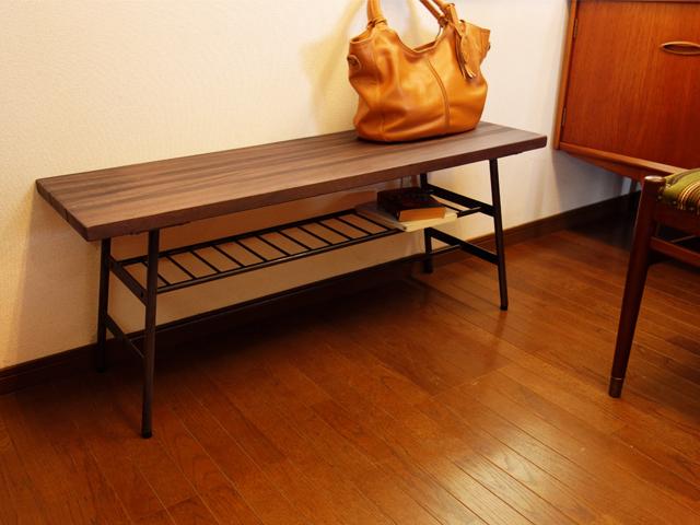 無垢材と鉄脚のお洒落なベンチ