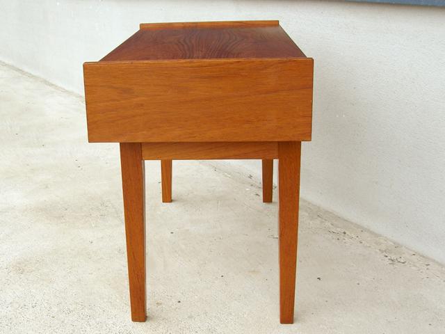 北欧ビンテージ家具ナイトテーブル