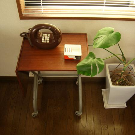 デンマークのタイプライターテーブル