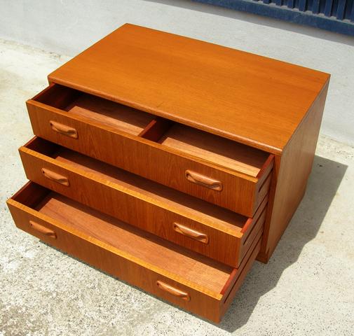 ビンテージG-PLAN家具チェスト