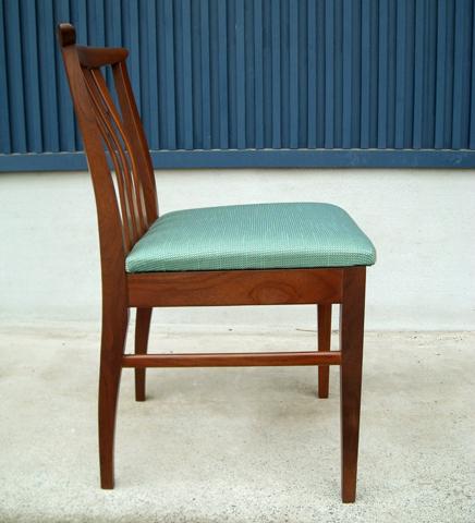 ビンテージ椅子張り替え済み