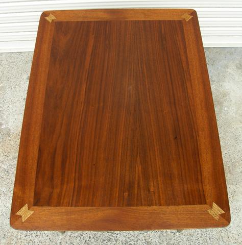 チーク製サイドテーブル