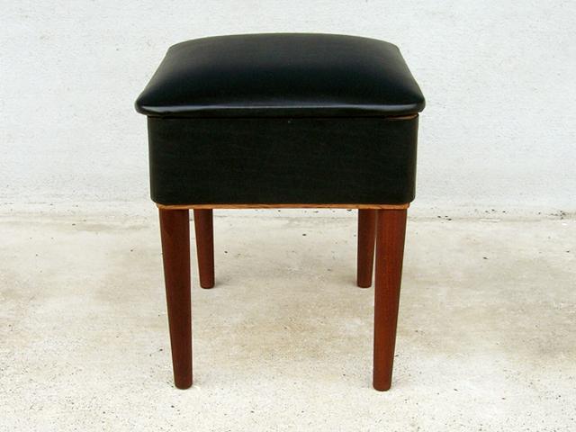 黒いスツール ビンテージ椅子