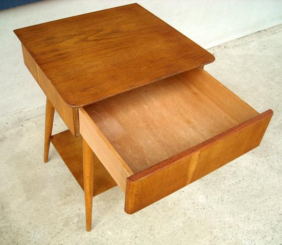 ヴィンテージ木製ナイトテーブル