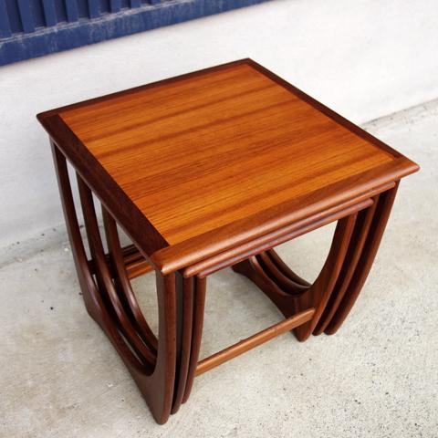アンティーク家具 ネストテーブル