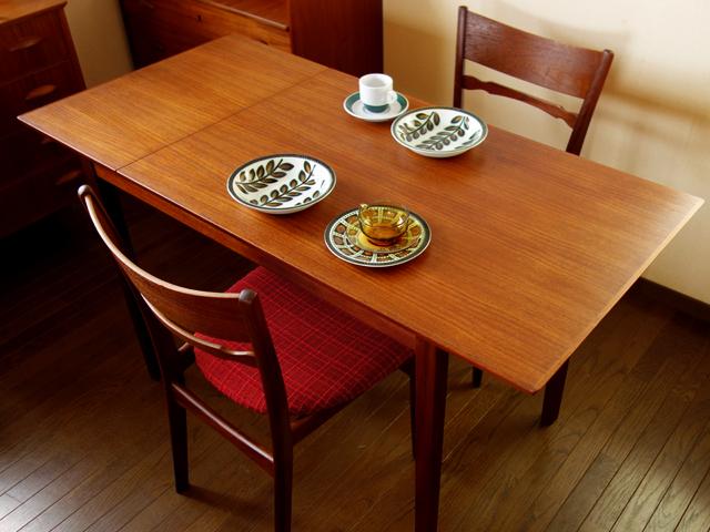 北欧ダイニングテーブル 最大幅135cm