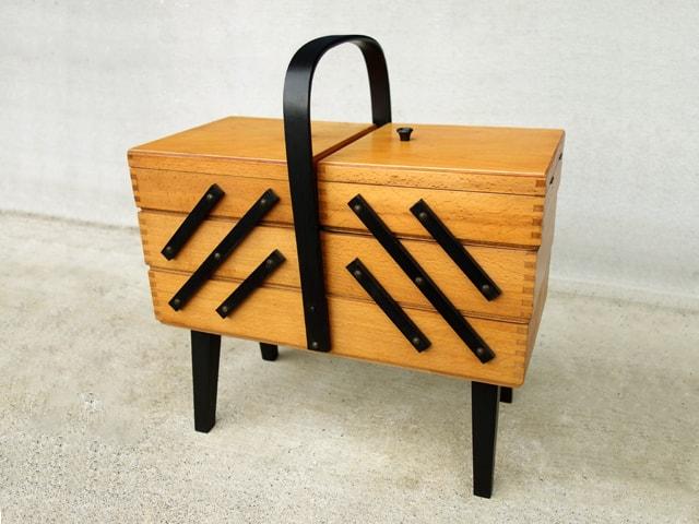 イギリスビンテージ木製ソーイングボックス
