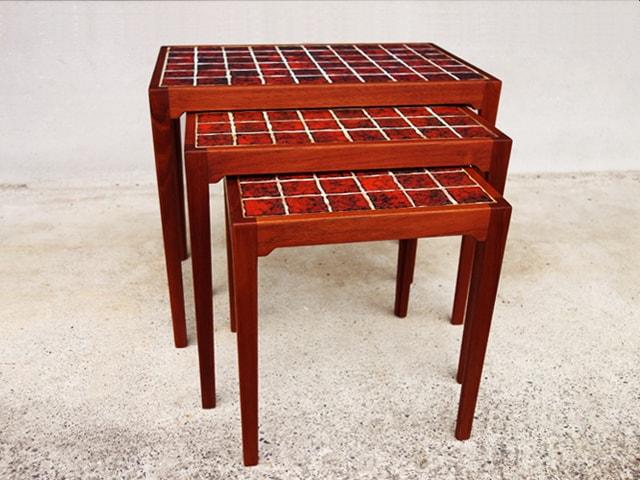 ビンテージのタイルトップ・ネストテーブル 北欧家具