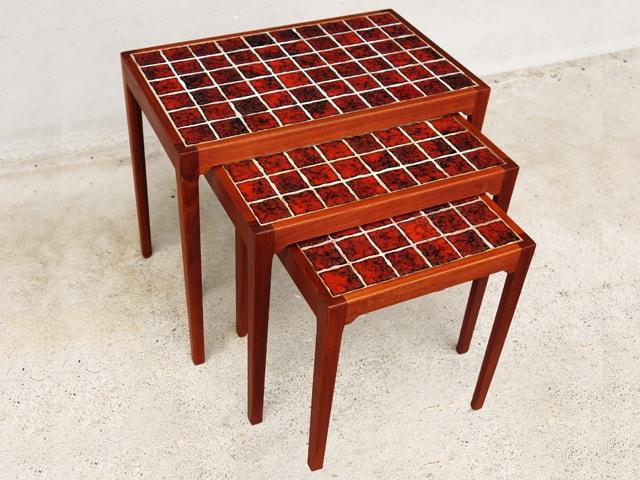 赤タイルトップ・ネストテーブル 北欧ビンテージ