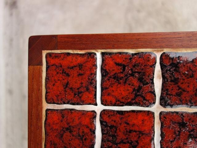 赤タイルテーブル角