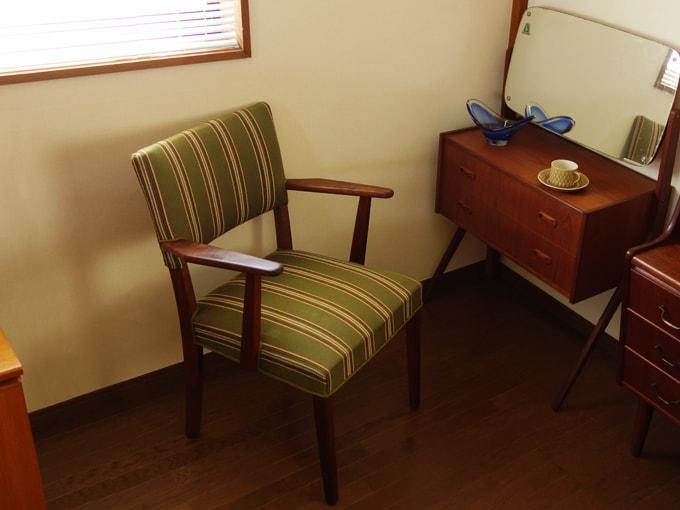ヴィンテージ椅子 ストライプ柄アームチェア