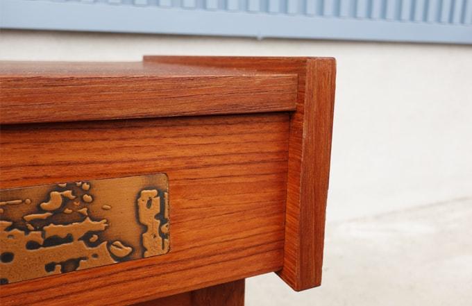 北欧ミニチェストひきだしの銅板飾り