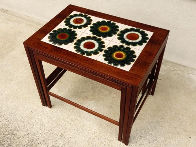 花模様タイルのサイドテーブル 北欧ヴィンテージ