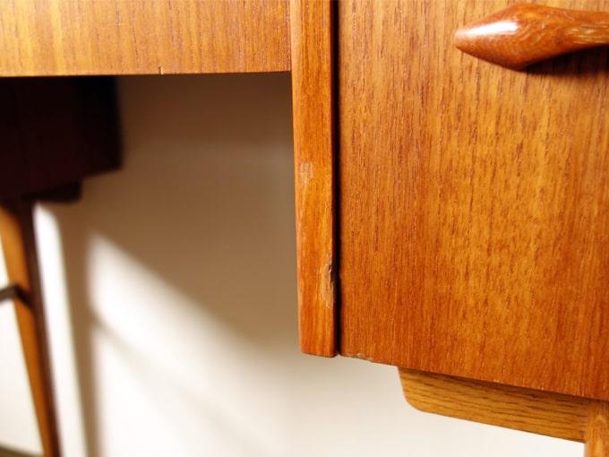 テーブル板淵とひきだし表面 状態