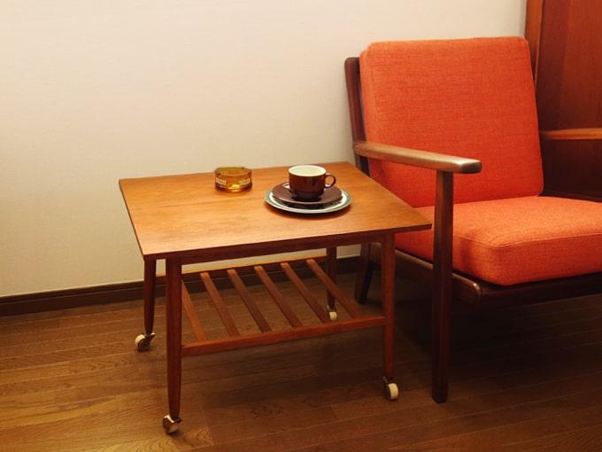 北欧ヴィンテージ木製サイドテーブル キャスター付
