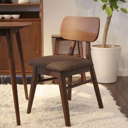 北欧スタイル椅子