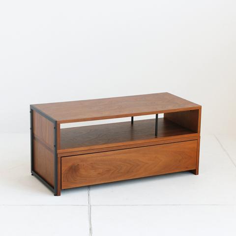 天然木使用のモダンなテレビ台