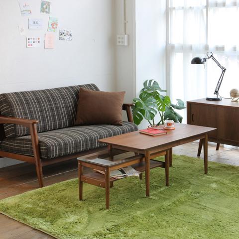 北欧スタイルのネストテーブル
