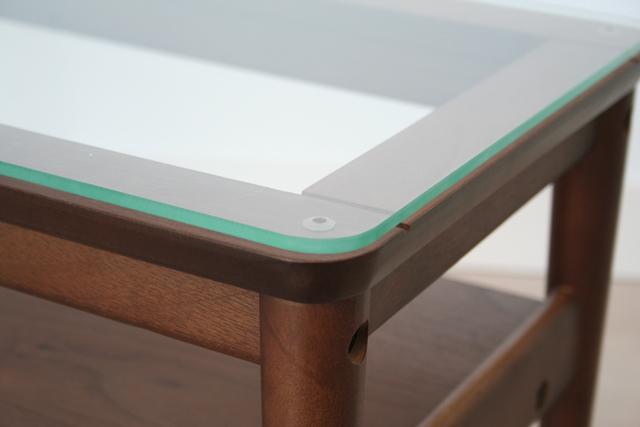 ガラス天板ネストテーブル