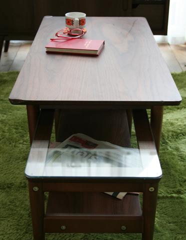 ウッドとガラスのネストテーブル