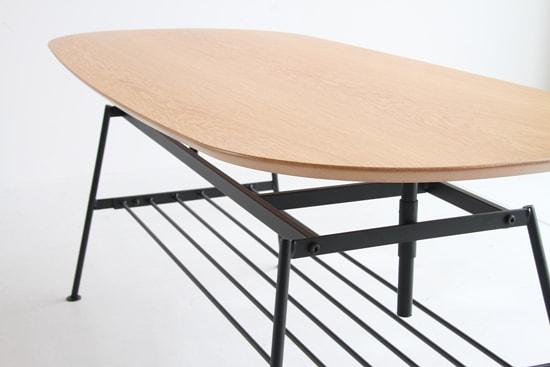高さ調節できるテーブル