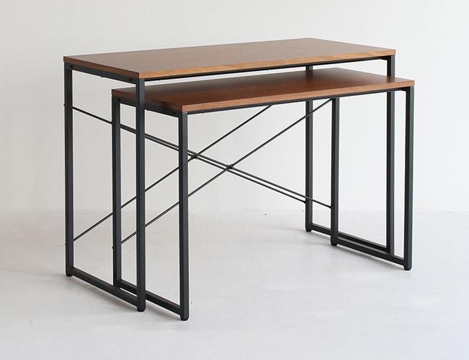ウォールナットの大小2つのテーブルで1セット