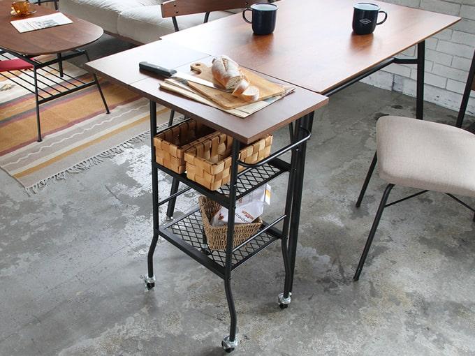 ダイニングテーブルと合わせて使えるサイズ