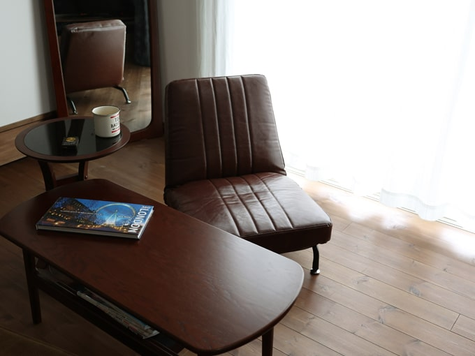 レトロなデザインの1人掛けソファ