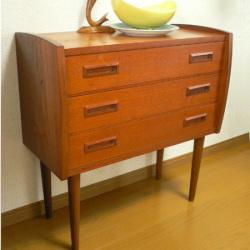 ft0231オレンジ色のボックススツール*amber design*北欧家具やビンテージ雑貨等のインテリア通販