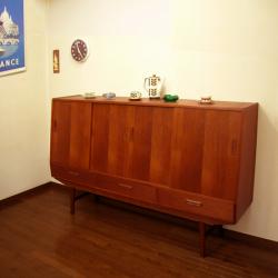 チーク・サイドボードディスプレイamber designビンテージ北欧中古家具アンティーク雑貨通販アンバーデザイン