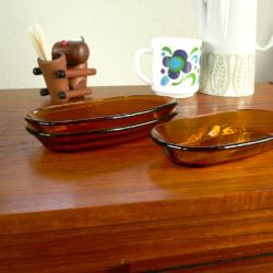 ft0199イギリスNathan製トライアングルガラストップコーヒーテーブル*amber design*北欧家具やビンテージ雑貨等のインテリア通販