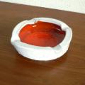ac0191レッド・ホワイトの陶器灰皿