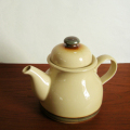 tw0289東ドイツ製陶器ティーポット