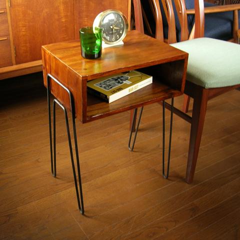 無垢材とアイアンのサイドテーブル