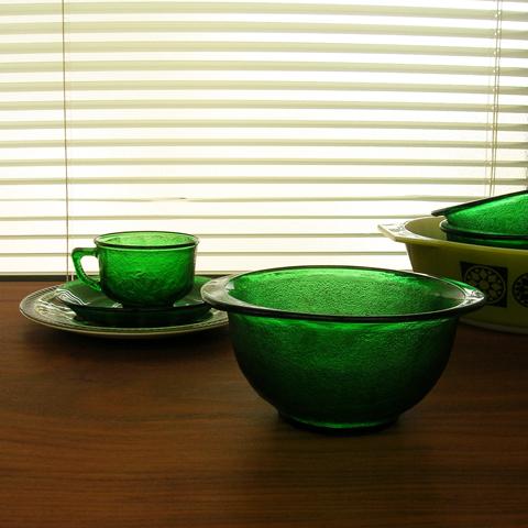 Tw0301greenglassbowl