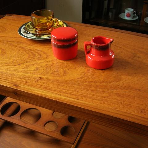 赤いシュガーポット&ミルクピッチャー ヴィンテージ陶器
