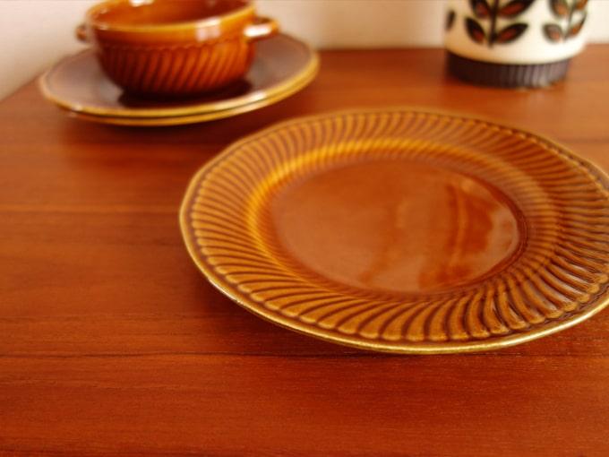ベルギーBOCHのヴィンテージ陶器デザート皿