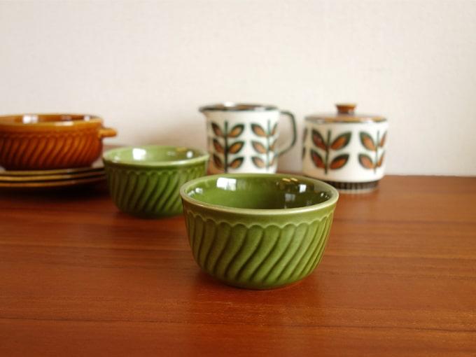 アンティーク食器BOCH緑カップ
