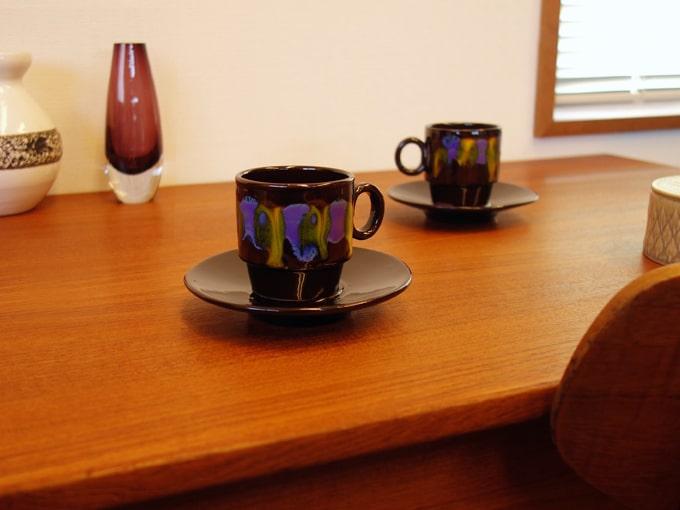 ハンドペイントのヴィンテージ陶器カップ&ソーサー